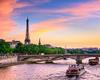 Paris ouvre le premier centre d'art urbain flottant au monde