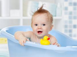 Nombre de bains aux bébés par semaine et risque d'eczéma