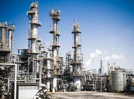 Chemiesector lapt veiligheidsregels aan laars