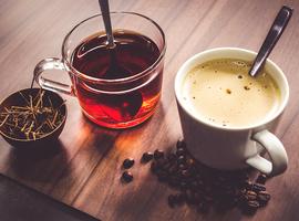 Het risico op longkanker zou toenemen door overmatig gebruik van koffie of thee