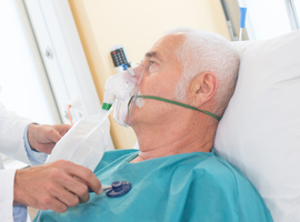 Grote covid-19 studie onderzoekt risico op luchtweginfecties in WZC's