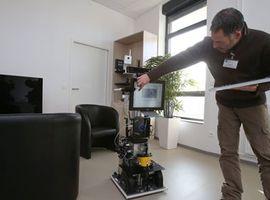 Un robot gériatrique testé en situation réelle à Troyes