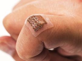 Digitale patch meet bloeddruk diep in het lichaam