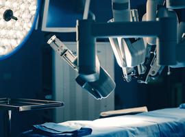Eerste robotgeassisteerde operatie voor patiënt met syndroom van Dunbar in UZ Brussel