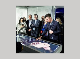 Demonstration of Anatomage, a virtual anatomy table