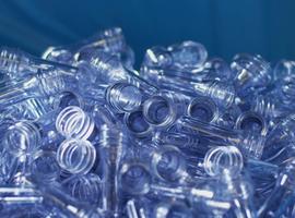 Evian® op kruissnelheid naar 100% circulaire verpakkingen