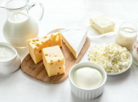 Les produits laitiers favorisent-ils l'acné?