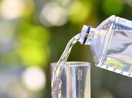 L'alcool, non, l'eau ferrugineuse, oui