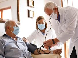 Hypertension artérielle et risque pour l'infection par le SARS-CoV-2