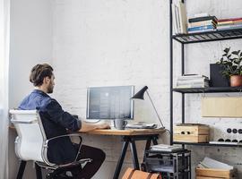 Bijna helft Belgen doet minstens één dag per week aan telewerk