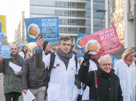 Lancement d'une campagne contre la réduction des droits de santé des nouveaux-nés