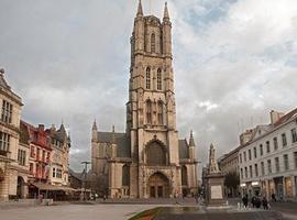La cathédrale Saint-Bavon de Gand dévoile l'Agneau mystique rénové