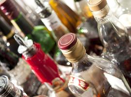 Alcohol of paracetamol: wat bestrijdt pijn het best?