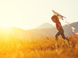 Leuvense oogarts roept op kinderen buiten te laten spelen om bijziendheid te voorkomen