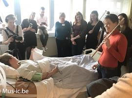 Des musiciens pour alléger les désagréments physiques des patients de l'Hôpital militaire