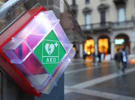 Defibrillatoren op openbare plaatsen hebben door huidige aanpak weinig impact (KCE)