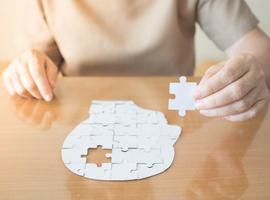 Maladie d'Alzheimer,  empathie et neurones miroirs