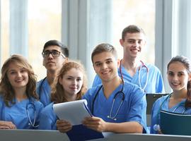 Geneeskundestudenten UHasselt werken als vrijwilliger in zorgcentra