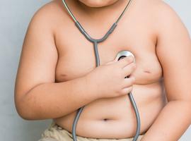L'obésité infantile augmente avec la consommation… des médias