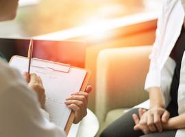 Remboursement des soins psychologiques - Le patient choisira s'il veut payer 11 ou 60 euros (De Block)