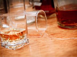 Het verband tussen overmatig alcoholgebruik en de algemene gezondheidstoestand van de bevolking