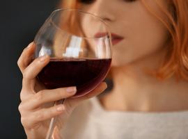 Un lien existerait entre le syndrome prémenstruel et la consommation d'alcool