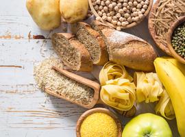 Impact op de levensduur van koolhydratenconsumptie en de oorsprong van vetten en eiwitten die samen met koolhydraten geconsumeerd worden