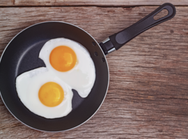 Cholesterol in voedingsmiddelen, in het bijzonder in eieren, zou een verhoogd risico op cardiovasculaire aandoeningen inhouden