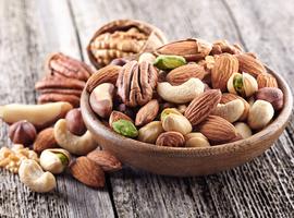Moins de viande, plus de noix: un régime bon pour la santé et celle de la planète (Lancet)
