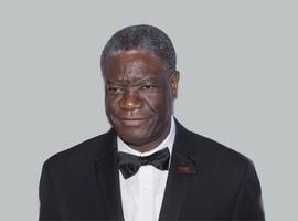 Congolese arts Denis Mukwege krijgt Nobelprijs voor de Vrede uitgereikt