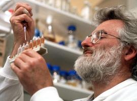 Décès du Britannique John Sulston, prix Nobel de médecine en 2002