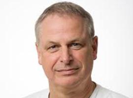 UZ Brussel distantieert zich van open brief dr. Frank van Tussenbroek