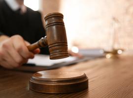 Luiks bedrijf sleept staat voor de rechter wegens onbetaalde coronatests