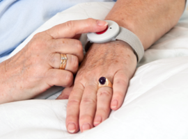 E-health: «Les médecins vont apprendre à mieux connaître leurs patients.» (S. Bellin)