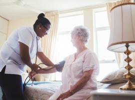 Le flux de personnel entrant dans le secteur de la santé insuffisant, selon Acerta