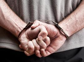 Duitse neparts die elektrische schokken voorschreef krijgt elf jaar cel