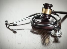 Was schorsing en afzetting racistische arts rechtmatig?