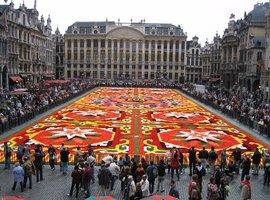 Le célèbre tapis de fleurs de Bruxelles se met aux couleurs du Mexique
