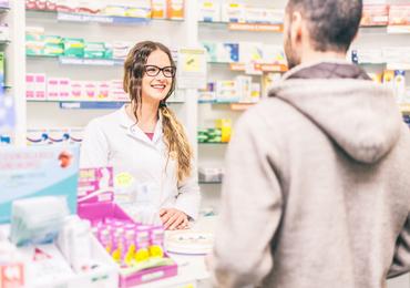 Les populations les plus précaires ont davantage recours aux médicaments en vente libre