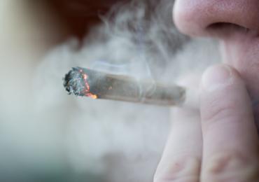 Le tabac encrasse bien plus les artères que le cannabis (étude)