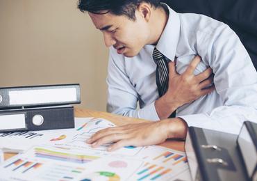 Travailler plus de 10 heures par jour de façon prolongée expose au risque d'AVC (étude)