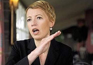 Dépistage cancer du sein : « La ministre était allée trop loin » (Catherine Fonck)