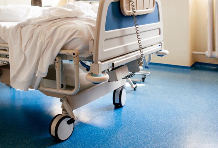 Refus de soins à un patient au seul motif que celui-ci ne choisit ...